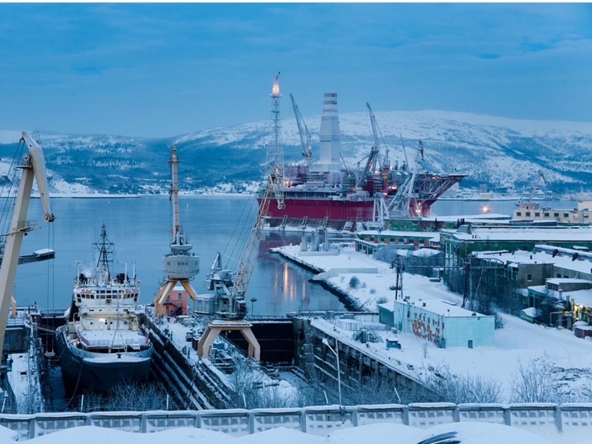 Почему порт мурманск не замерзает